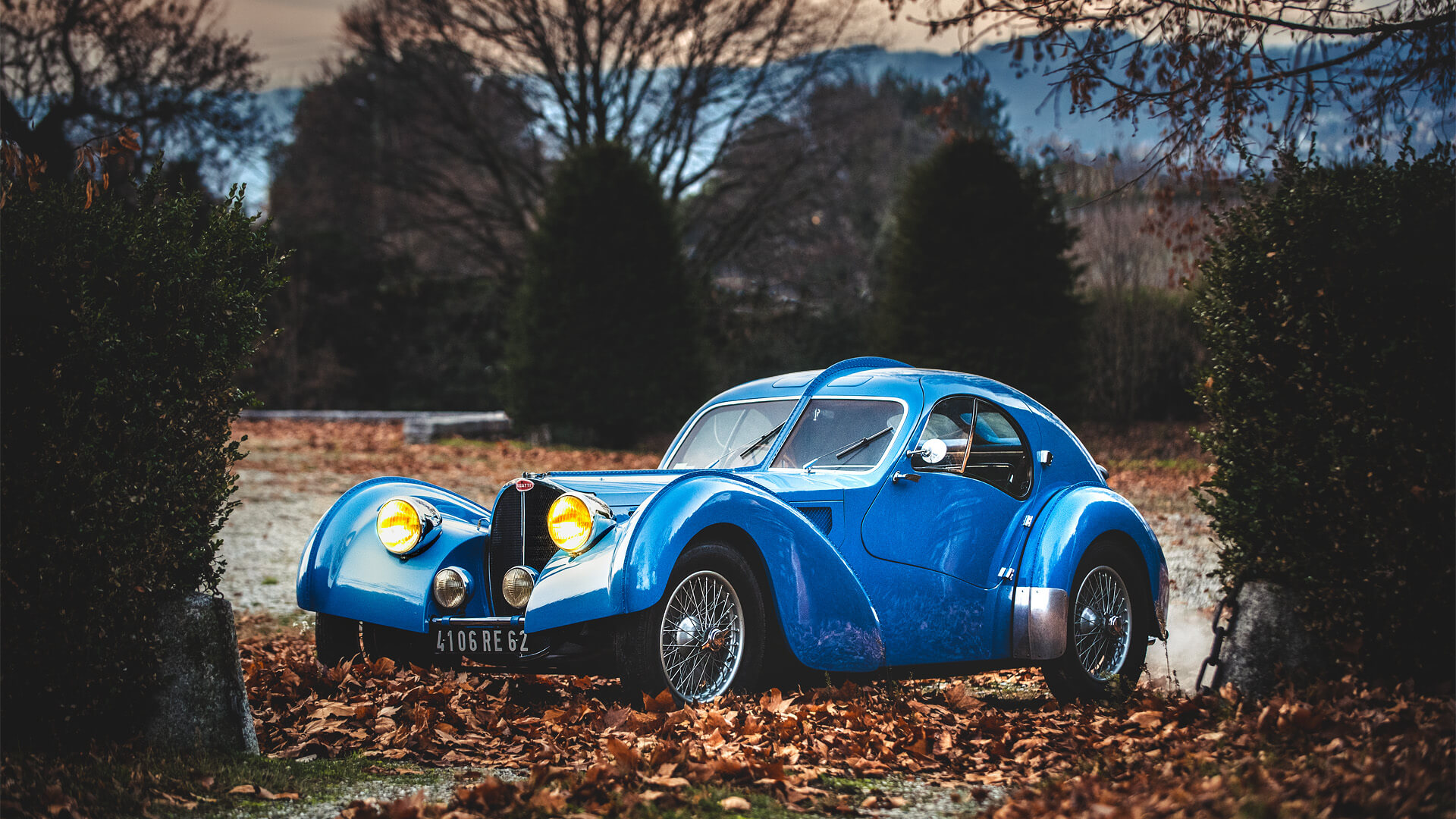 Blue Bugatti Atlantic by Erik Koux